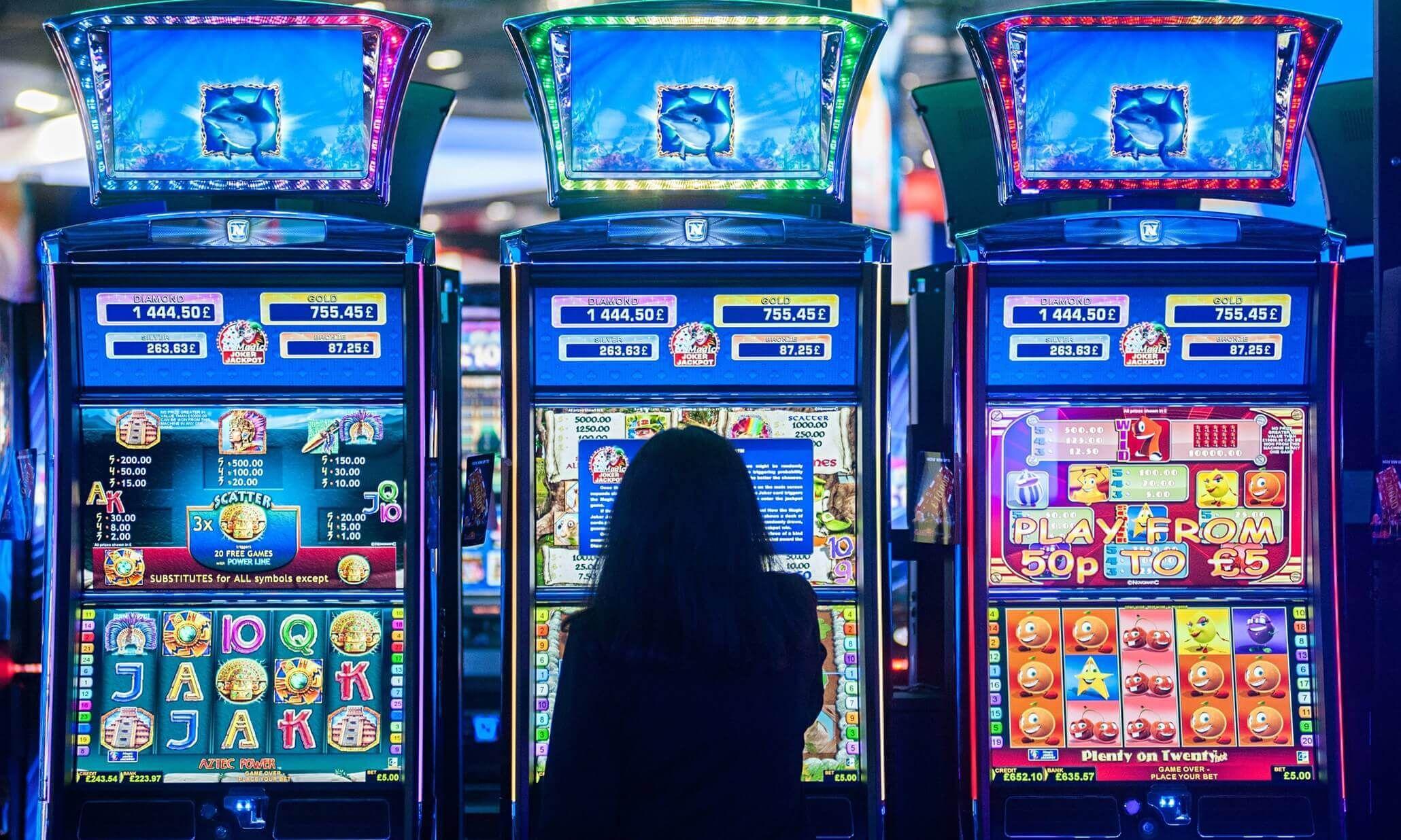 Онлайн играть в хорошем казино на реальные деньги казино азарт плей играть